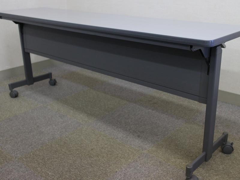 102貸会議室フラップテーブル