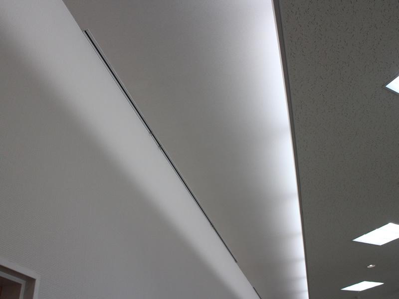 101貸会議室壁面吊金具