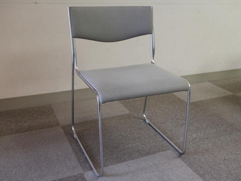 102貸会議室椅子