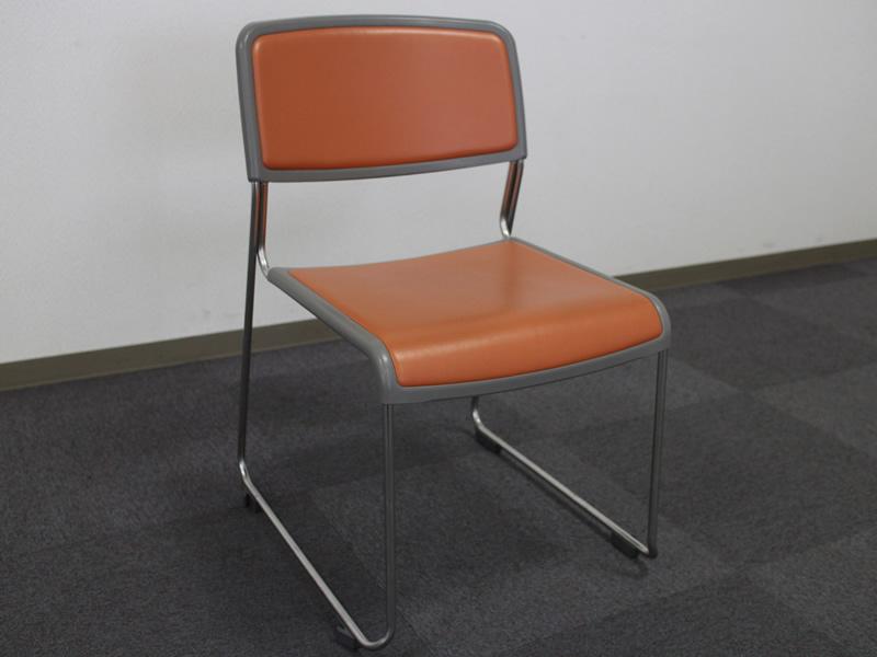 103貸会議室椅子