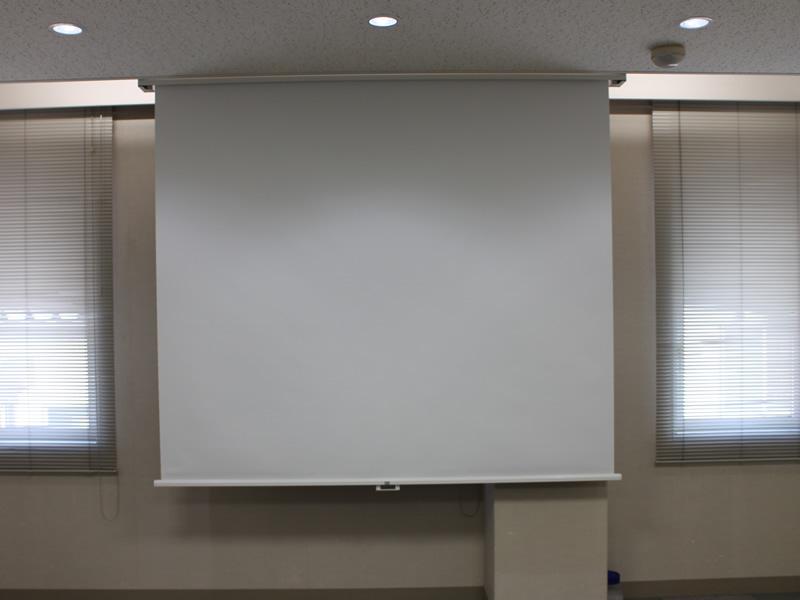 201貸会議室電動スクリーン
