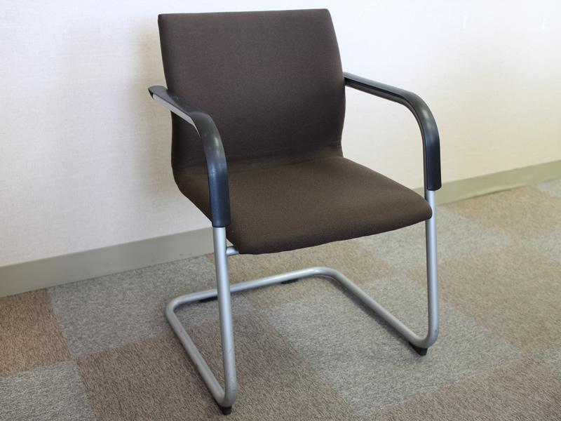202貸会議室椅子