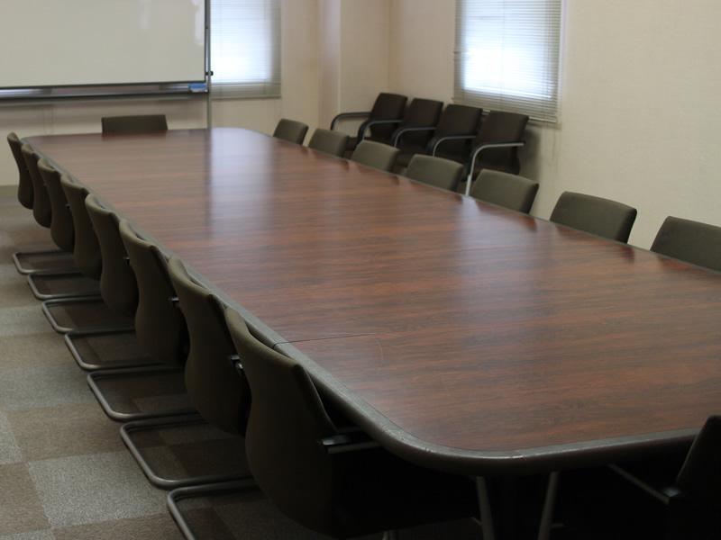 202貸会議室フラップテーブル