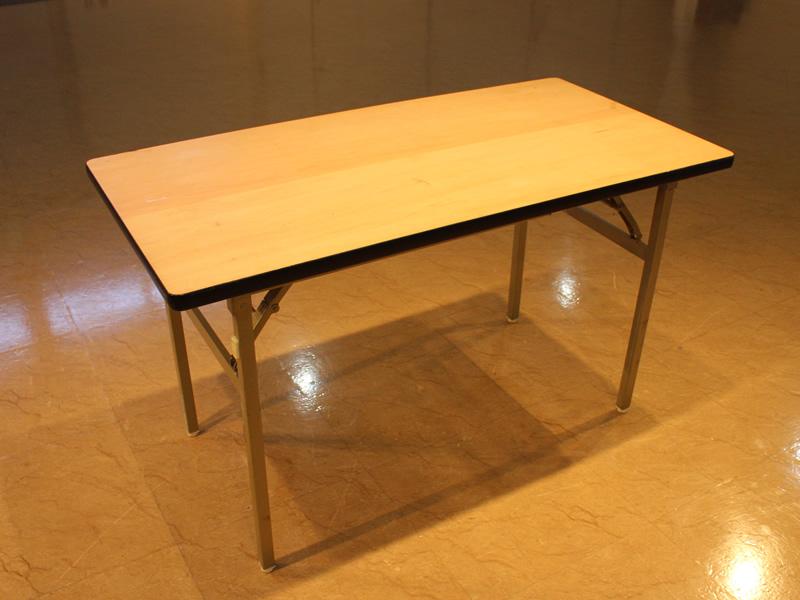 NOCホール貸会議室平テーブル