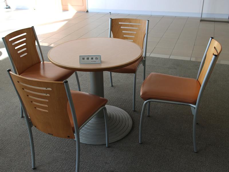 ロビー貸会議室椅子